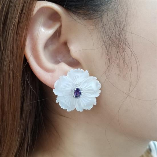 Sterling Silver Mother of Pearl Flower Earring