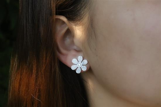 Platinum Plated Sterling Silver Flower Earring