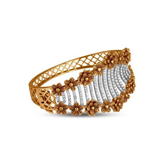 Flower Diamond Bracelet In 18K Yellow Gold